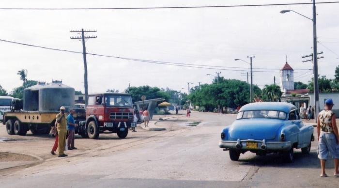 02nov2005 - Cuba - Província de Matanzas - Estrada para Varadero